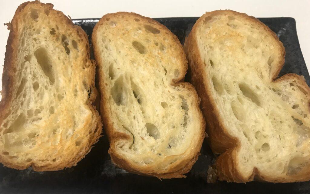 ヤマザキ「塩バターフランスパン」