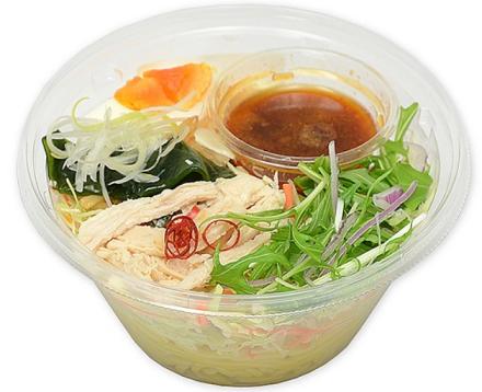 セブンイレブン「野菜と食べるピリ辛ラーメンサラダ」